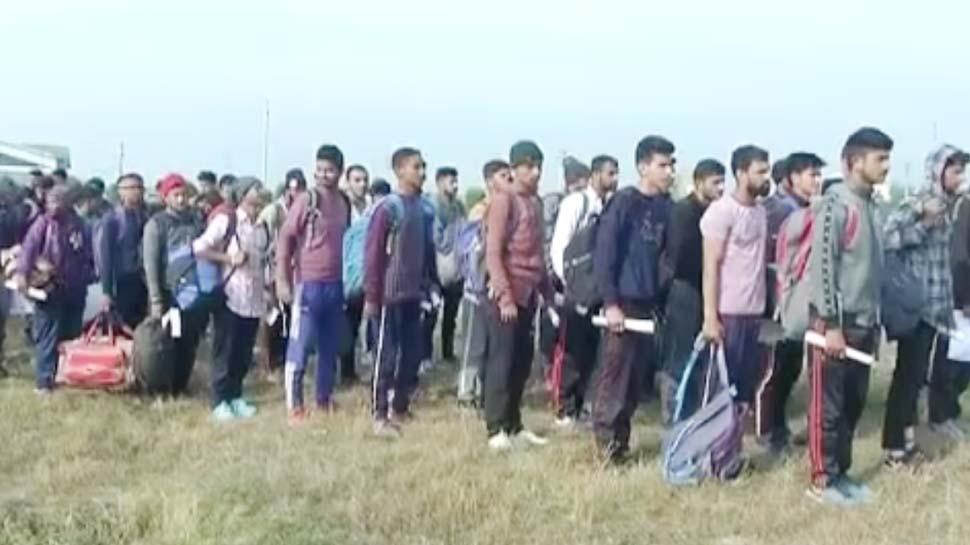 कश्मीर में चल रही है सेना की भर्ती, भारतीय फौज का हिस्सा बनने आतंकग्रस्त जिलों से पहुंचे हजारों युवा
