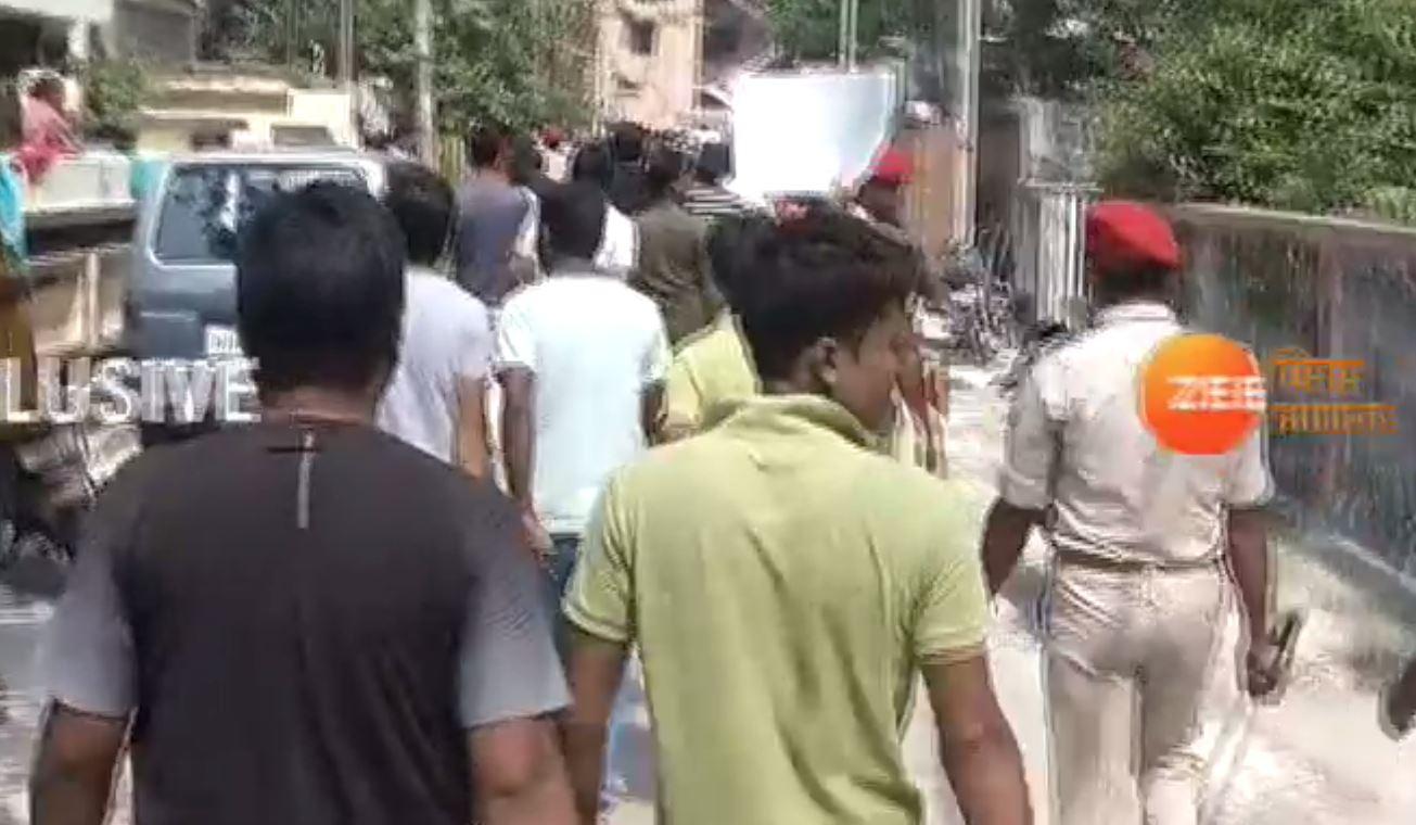 बिहार: सुशील मोदी के घर का घेराव करने पहुंचे जलजमाव से परेशान लोग, किया विरोध-प्रदर्शन