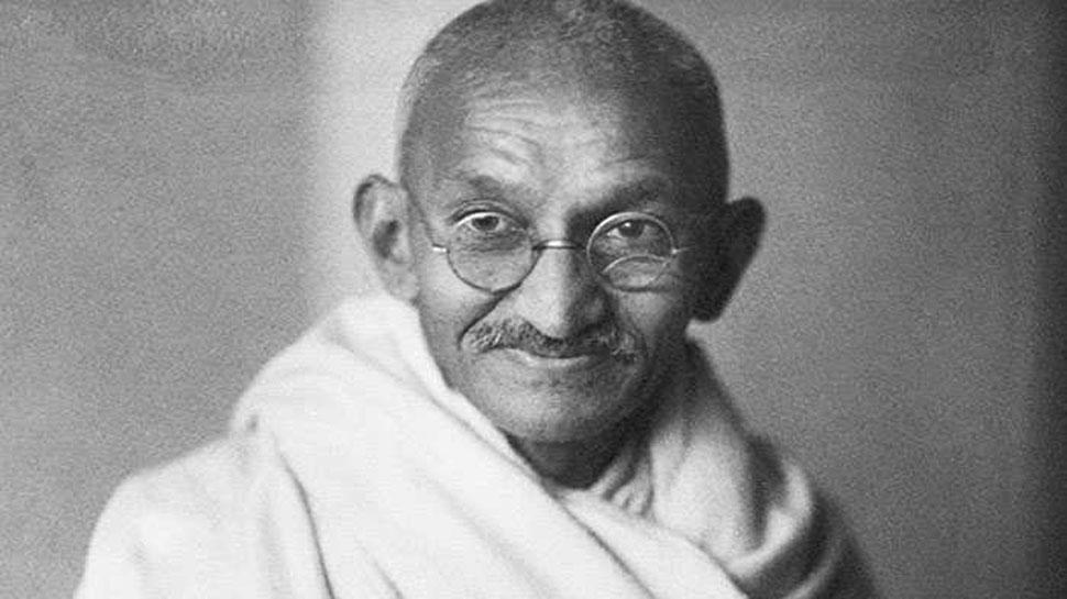 गुजरात: 9वीं कक्षा की परीक्षा में पूछा गया अजीबो-गरीब सवाल, 'गांधी जी ने आत्महत्या कैसे की?'