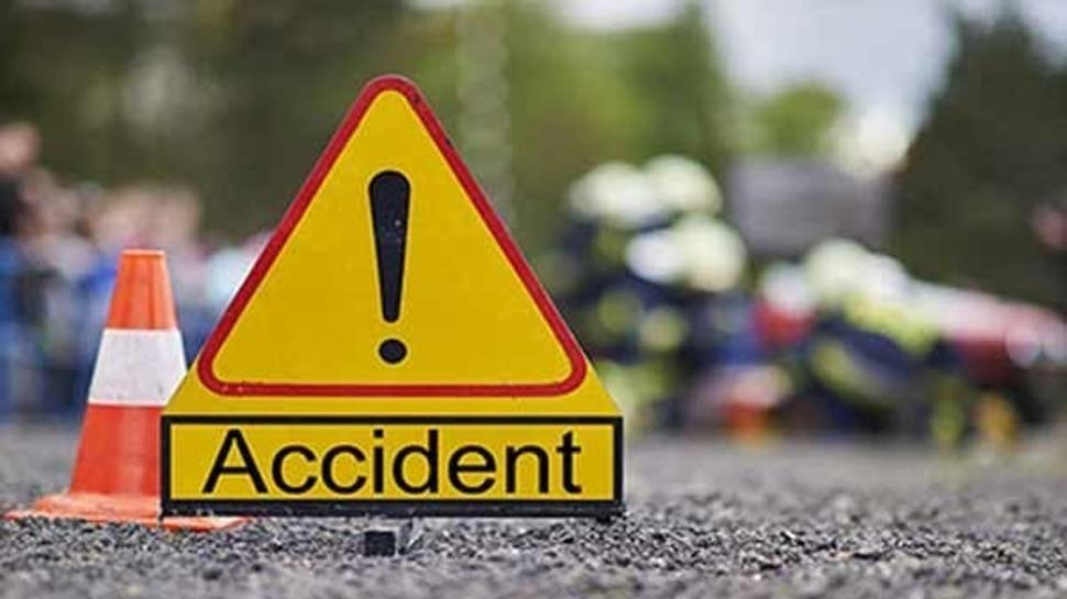 नरकटियागंज से बेतिया आ रही बस दुर्घटनाग्रस्त, 7 घायल, 2 की स्थिति गंभीर