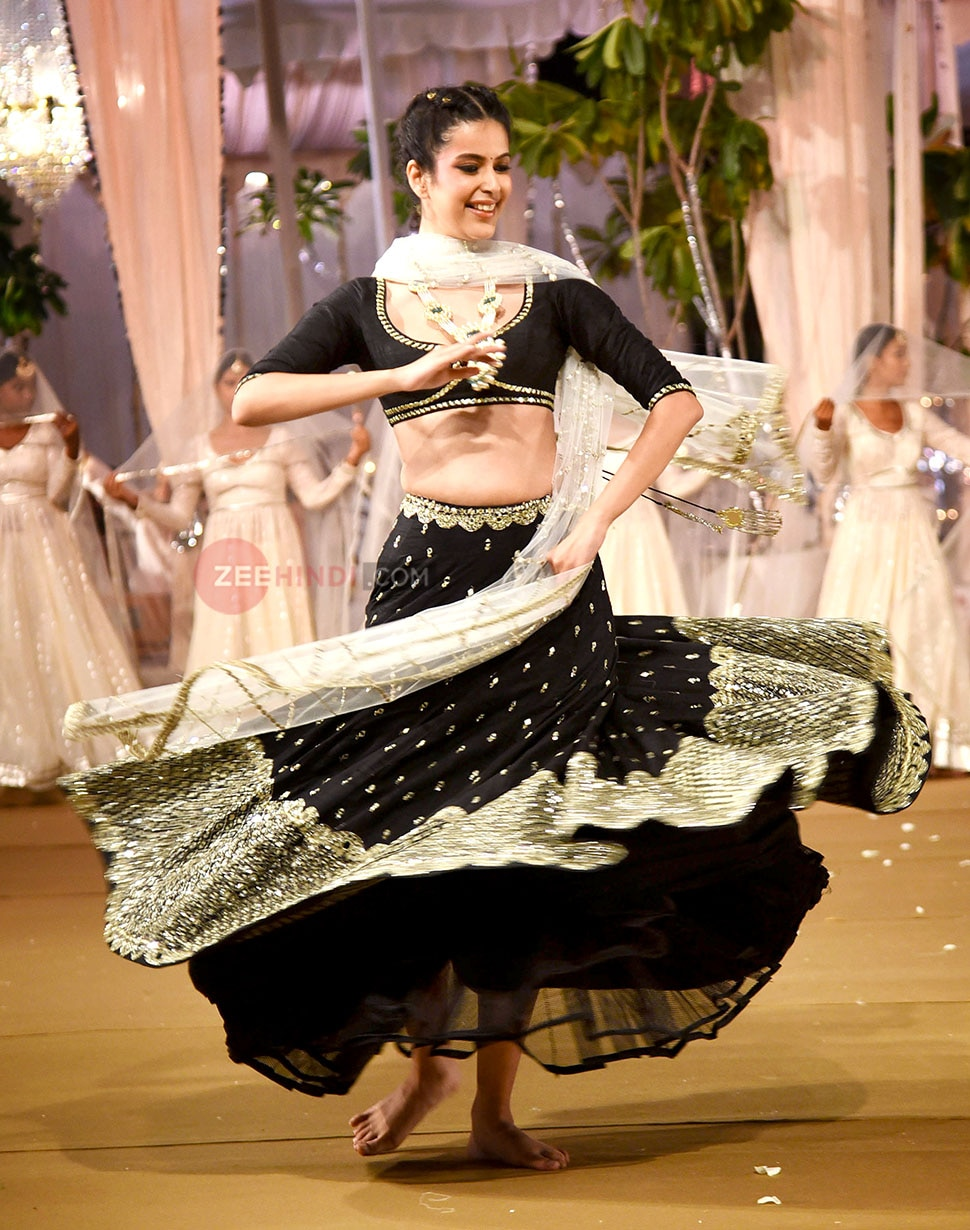Sonam Kapoor Walk for Abhinav Mishra