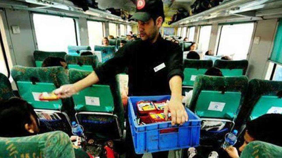 Indian Railways ने शुरू की यह सुविधा, यात्रियों को सीट पर मिलेगा स्वादिष्ट खाना