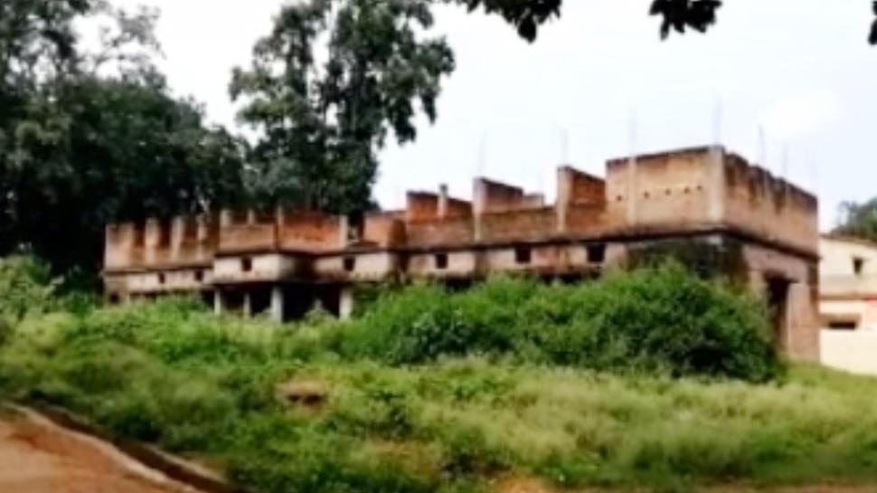 झारखंड: 10 साल में भी नहीं बना नक्सल प्रभावित सारंडा में अस्पताल, लोगों को हो रही परेशानी