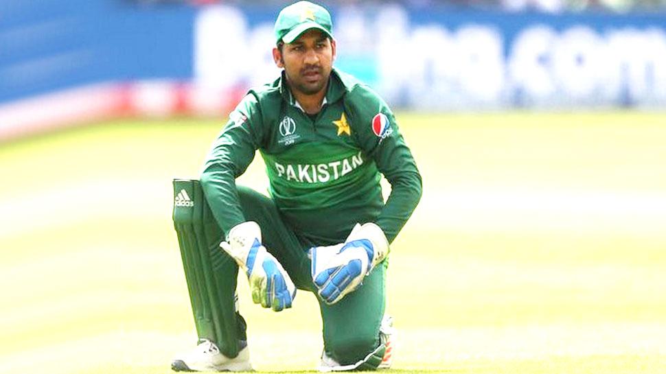 पाकिस्तान: सरफराज अहमद पर गाज; छिनी कप्तानी, बदले में मिले 2 नए कप्तान