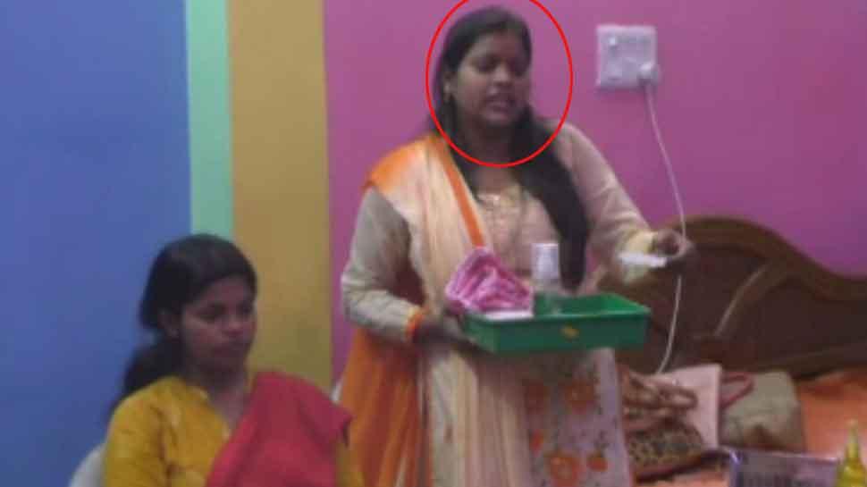लड़कियों को आत्मनिर्भर बना रही हैं गोरखपुर की प्रियंका, अब तक इतनों को दिला चुकी हैं रोजगार