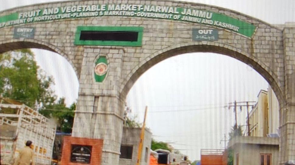 जम्मू कश्मीर के सेब कारोबारी घबराए नहीं, कवच बनकर खड़ी है सेना