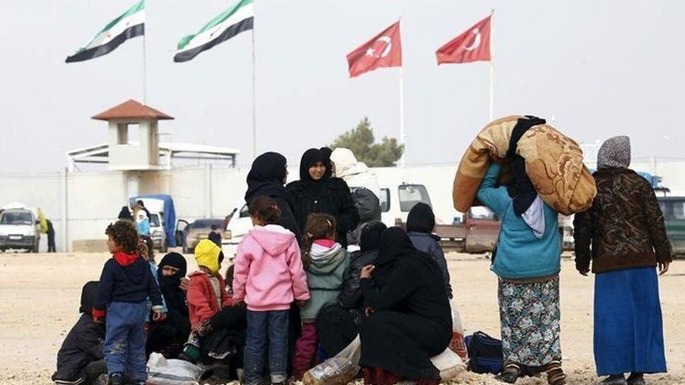उत्तर सीरिया में तुर्की के हमले के बाद 3 लाख लोग विस्थापित