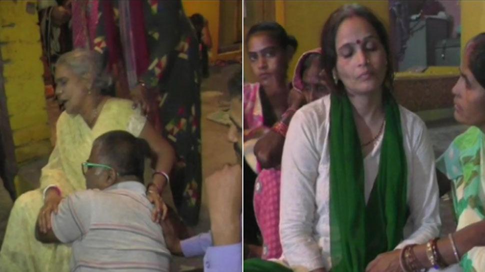 सीतापुर: कमलेश तिवारी के परिजन बोले- 'जब CM योगी आएंगे तभी होगा अंतिम संस्कार'