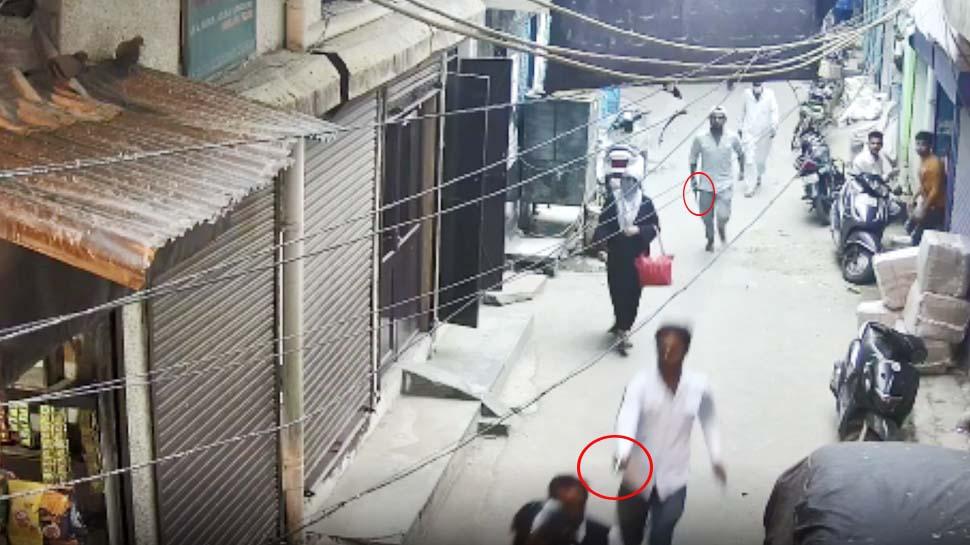 दिल्ली पुलिस ने एनकाउंटर के बाद गिरफ्तार किया शातिर बदमाश, हत्या के मामले में चल रहा था फरार