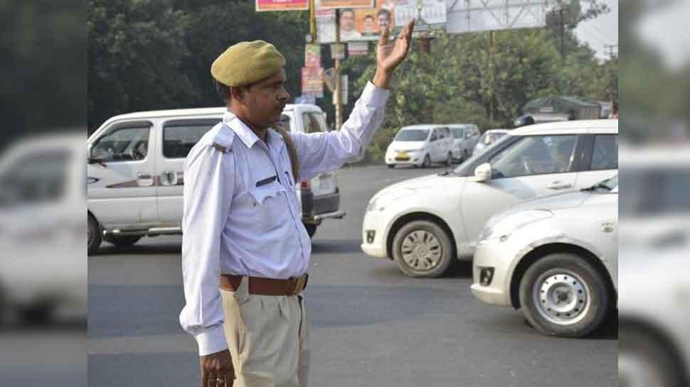 फिर बदली उत्तर प्रदेश यातायात पुलिस की वर्दी, 1 दिसंबर से पहनेंगे नई ड्रेस