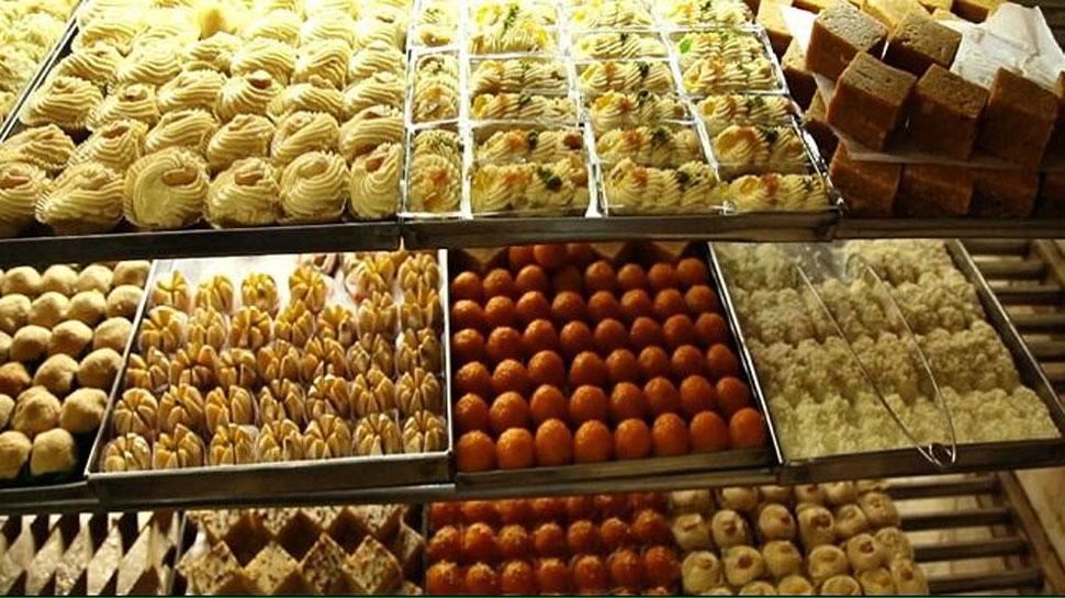 भीलवाड़ा: दीपावली से पहले मिठाई दुकानों में छापेमारी, जप्त हुआ 300 किलो मावा