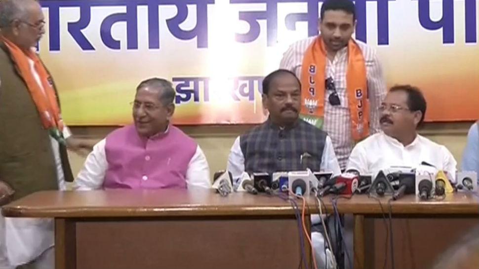 झारखंड: कांग्रेस-जेएमएम को बड़ा झटका, कई विधायक बीजेपी में हुए शामिल
