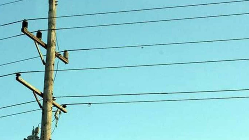 झालावाड़: झालरापाटन में विद्युत लाइन टूटकर मुख्य मार्ग पर गिरी, बड़ा हादसा टला