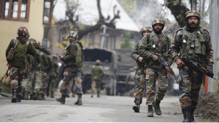 पीएम मोदी के पहुंचने से पहले कश्मीर में कायर आतंकियों की करतूत