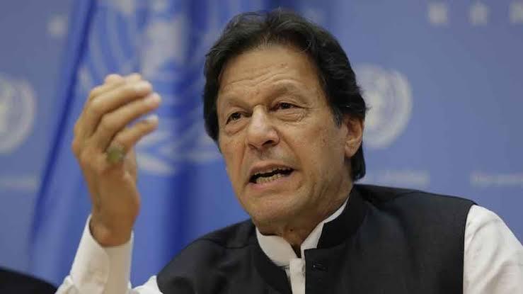 पाकिस्तान के प्रधानमंत्री इमरान खान ने हिंदुओं को दी दिवाली की बधाई, लेकिन...