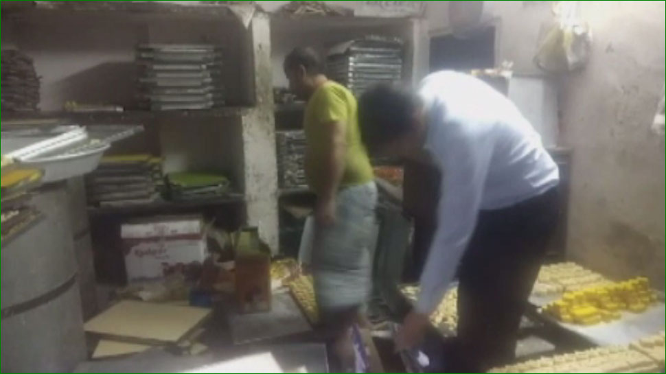 जयपुर: स्वास्थ्य विभाग ने की छापेमारी, 200 किलो मिलावटी मिल्क केक कराया नष्ट