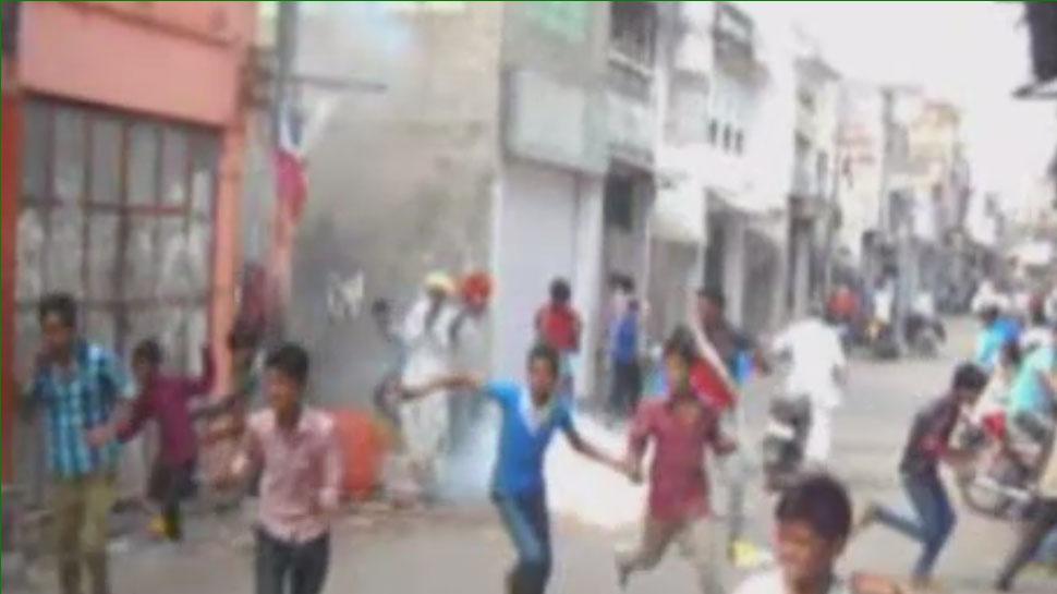 अजमेर: यहां दिवाली के अगले दिन लोगों पर फोड़ो जाते हैं पटाखें, महिलाएं और बच्चे परेशान