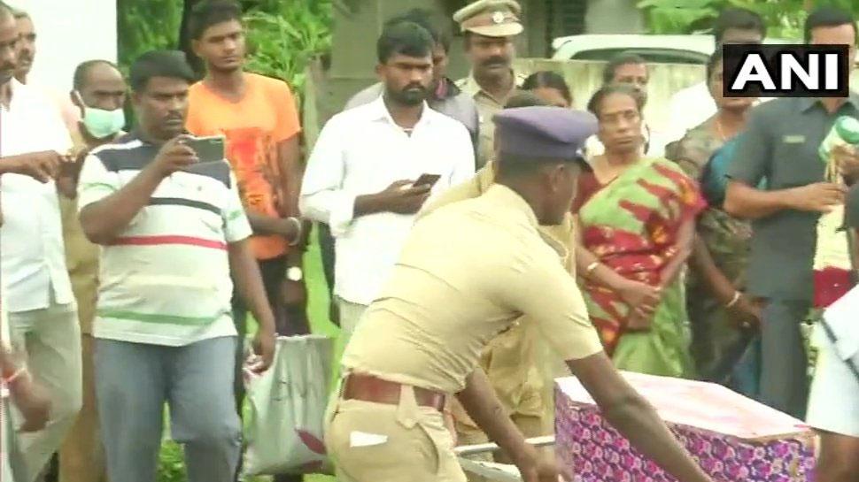 तमिलनाडु: 3 दिन तक बोरवेल में फंसे दो साल के मासूम सुजीत की मौत