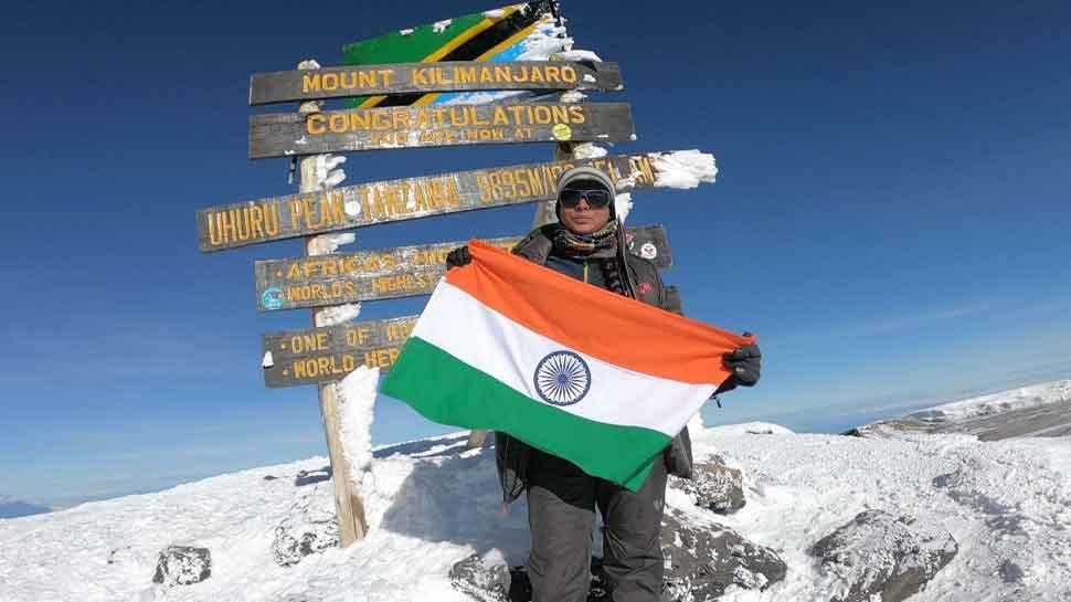 MP की महिला पर्वतारोही ने अफ्रीका की सबसे ऊंची चोटी किलिमंजारो पर मनाई दीपावली
