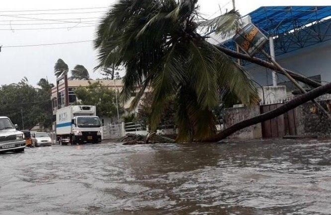नहीं थम रहा तमिलनाडु में बारिश का कहर