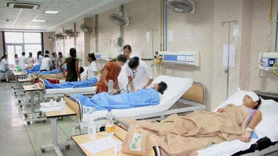 ग्वालियरः जयारोग्य अस्पताल के मरीजों के अटेंडर को अब नहीं खींचना होगा स्ट्रेचर, मिलने वाली है बड़ी सुविधा