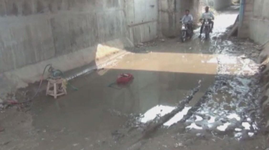 अजमेर: रेलवे अंडरब्रिज में भरा गंदा पानी, बढ़ी राहगीरों की परेशानी