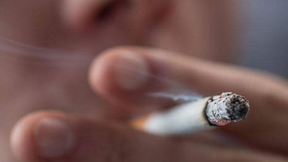 वाराणसी: यात्री ने फ्लाइट में अचानक जला दी सिगरेट, लोगों ने किया मना तो कर दिया बवाल
