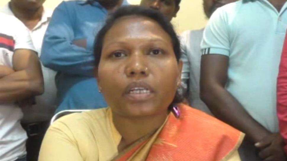 झारखंड चुनाव: कांग्रेस नेता के बागी तेवर, टिकट नहीं मिलने पर थामेंगी दूसरी पार्टी का दामन