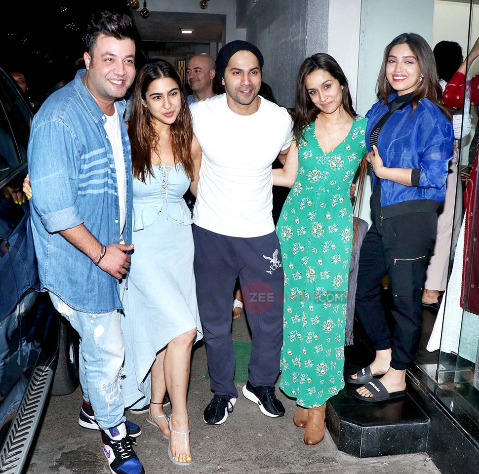 Varun Dhawan, Sara Ali Khan, Janhvi Kapoor, Shraddha Kapoor At Bala screening