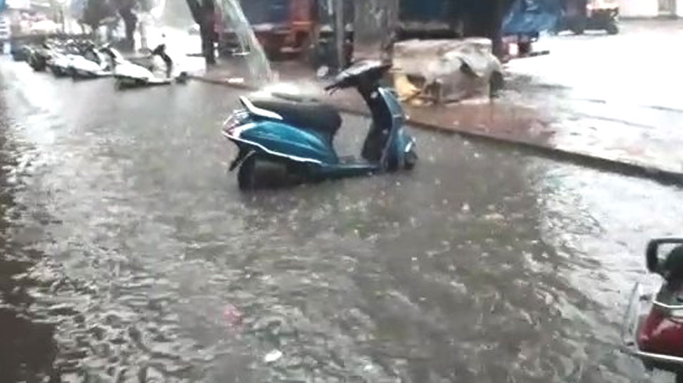 महाराष्ट्र में भी चक्रवात 'महा' का असर, मुंबई और ठाणे के कई इलाकों में भरा पानी