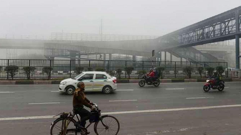 जम्मू-कश्मीर की बर्फबारी का UP में दिखा असर, पछुआ हवाओं ने बढ़ाई ठंडक