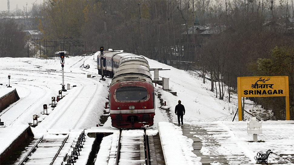 अनुच्छेद 370 हटने के बाद पहली बार श्रीनगर से बारामूला के बीच दौड़ी रेल, लोगों ने ली राहत की सांस