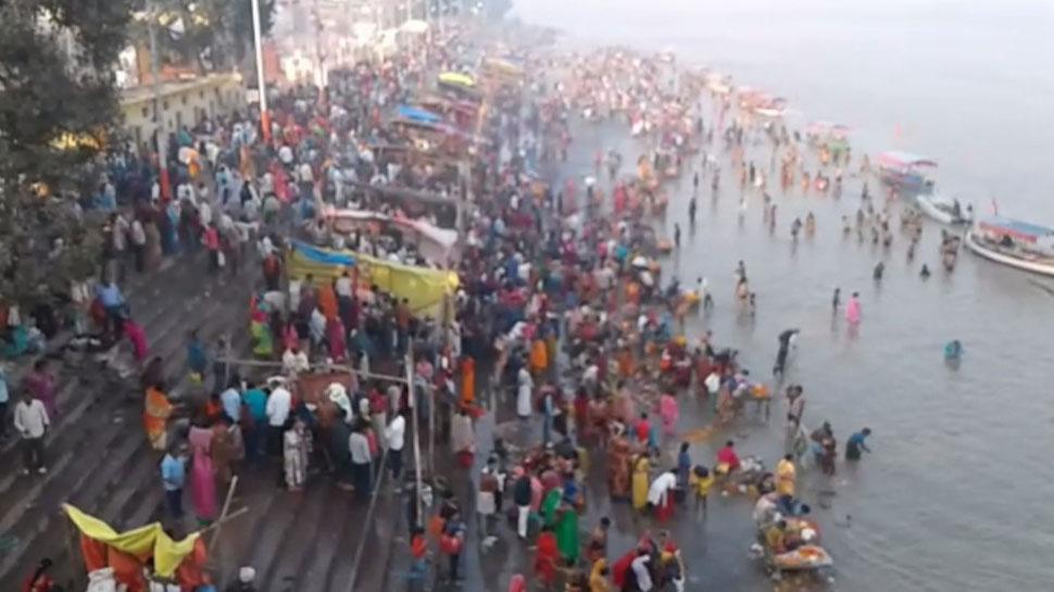 कार्तिक पूर्णिमा 2019: देशभर के घाटों पर उमड़ी श्रद्धालुओं की भीड़, अयोध्या में सुरक्षा के खास इंतजाम
