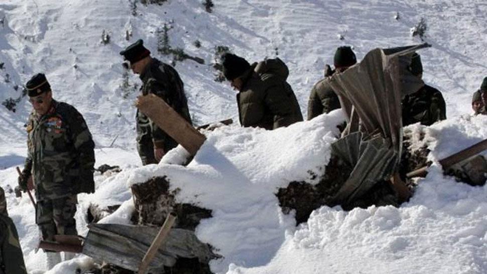 जम्मू कश्मीर: गुलमर्ग में हिमस्खलन में 2 आर्मी पोर्टर्स की मौत