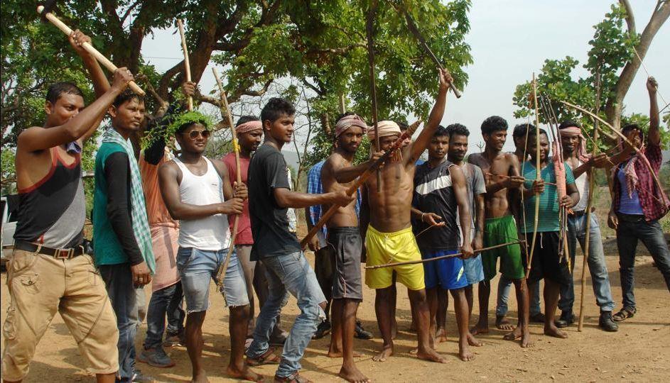 झारखंड में चुनाव आते ही पार्टियों को याद आए आदिवासी