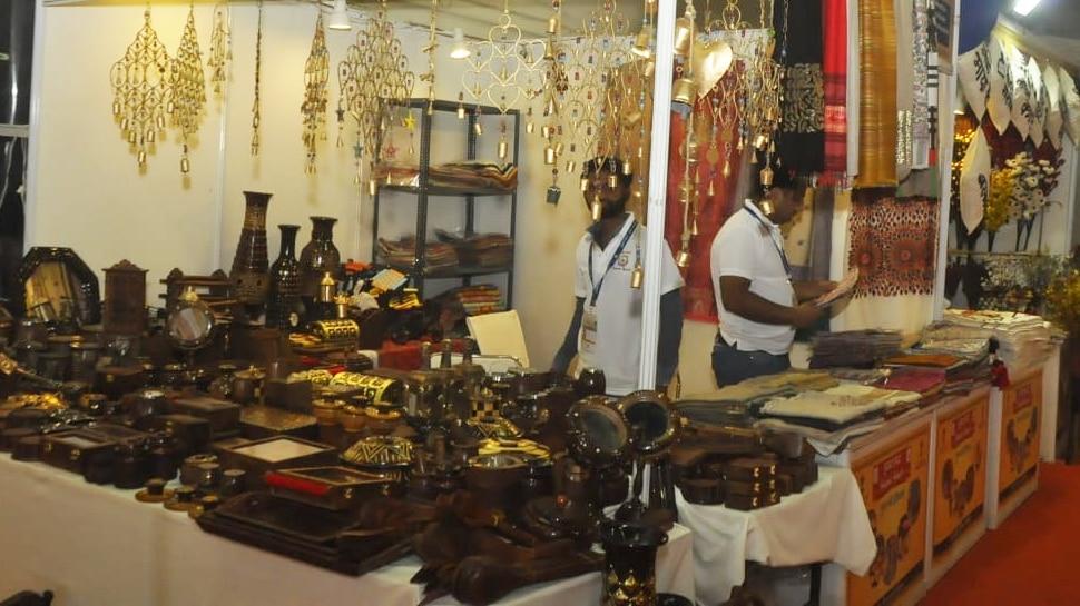 व्यापार मेला: बिहार पवेलियन में धागे से बनी रंगबिरंगी नायाब ज्वेलरी आकर्षण का केंद्र