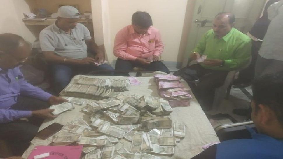 जमशेदपुर: सिंचाई विभाग के चीफ इंजीनियर के घर ACB की छापेमारी, 3 करोड़ नकदी बरामद