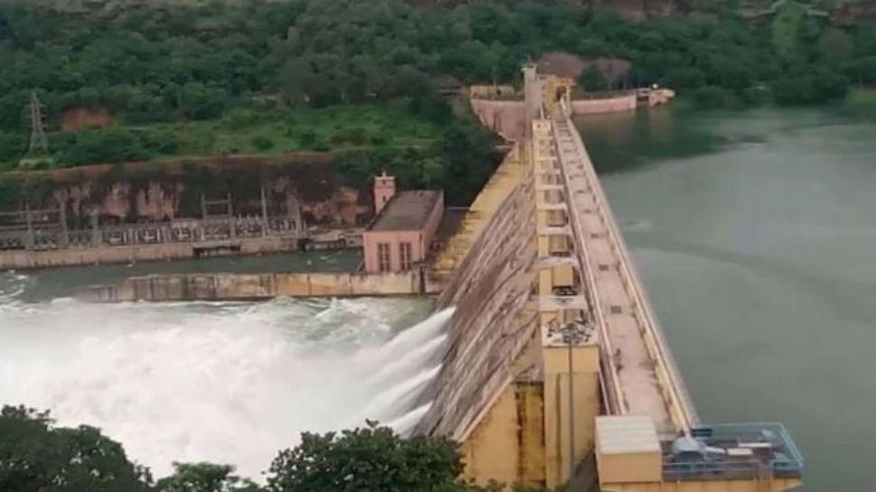 राजस्थान: राणा प्रताप सागर बांध पर 20 घंटे से बर्बाद हो रहा पानी, प्रशासन बेखबर
