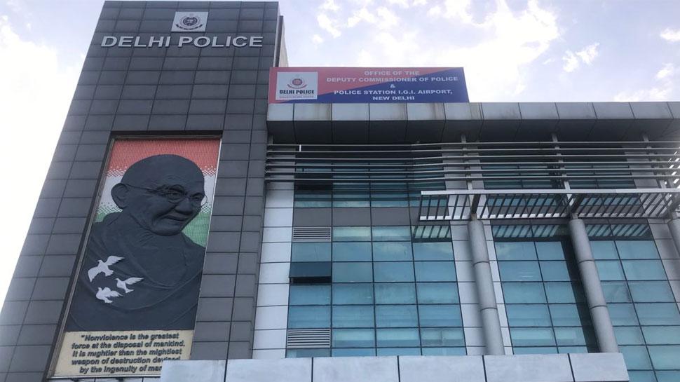 दिल्ली: एयरपोर्ट पर फ्लाइट पकड़ने से पहले करता था दुकानों में चोरी, पुलिस ने किया गिरफ्तार