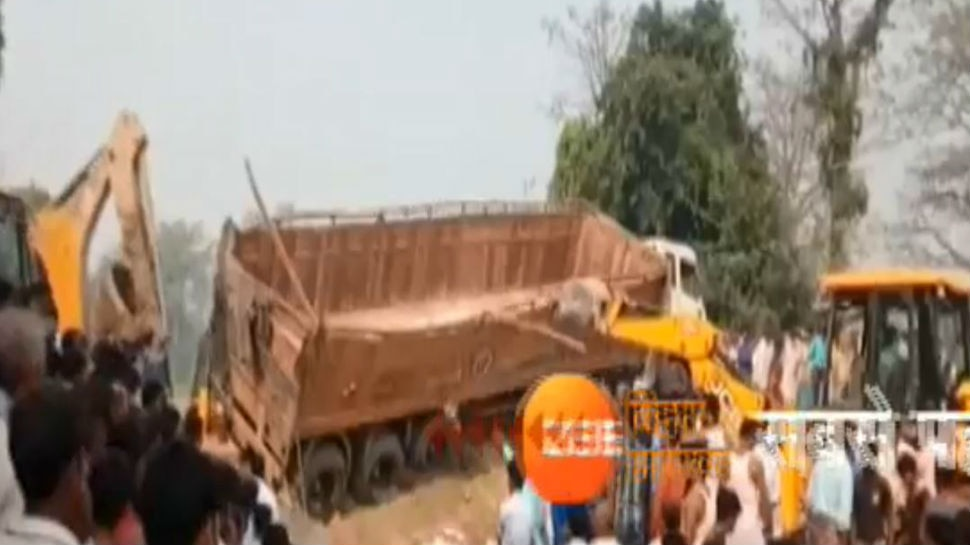 गोपालगंज: टाइल्स लदा ट्रेलर पलटा, पास खेल रहे 6 बच्चों की दर्दनाक मौत