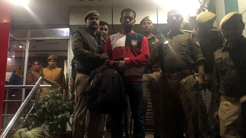 गैंगस्टर के साथ मुर्गा पार्टी कर रहे थे दिल्ली के पुलिसकर्मी, होटल में पड़ा छापा तो खुला राज