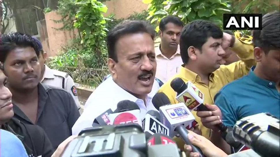 भाजपा नेता गिरीश महाजन का दावा- 'अजित पवार ने NCP के सभी 54 विधायकों का समर्थन पत्र दिया'