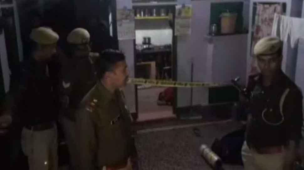 आगरा: कपड़ा व्यापारी की पत्नी की हत्या कर 35 लाख की डकैती, क्राइम ब्रांच जांच में जुटी