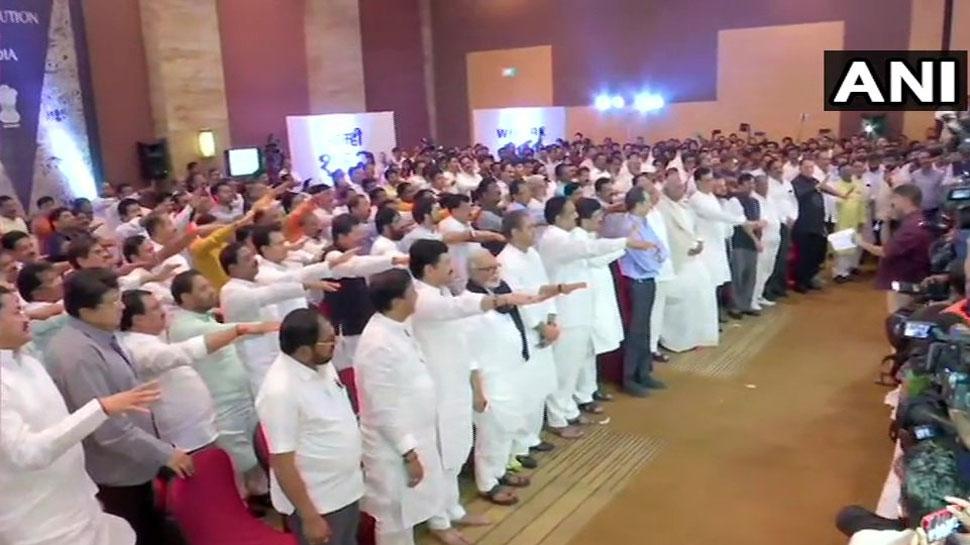 शिवसेना, NCP, कांग्रेस ने 162 विधायकों का किया शक्ति प्रदर्शन, बागी नहीं होने की दिलाई शपथ