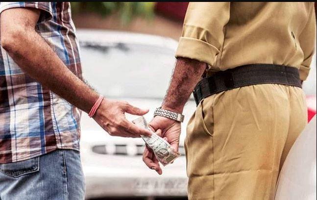 देश में भ्रष्टाचार के मामलों में गिरावट, लेकिन पुलिस अब भी भ्रष्ट