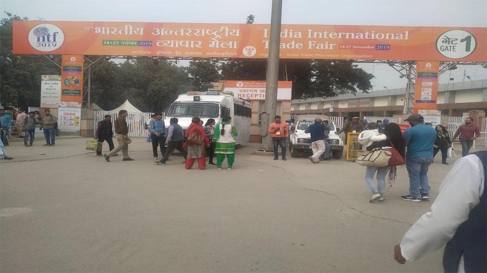 दिल्ली: ट्रेड फेयर में चोरों का कहर, लोगों की जेब-सामान पर खूब किया हाथ साफ
