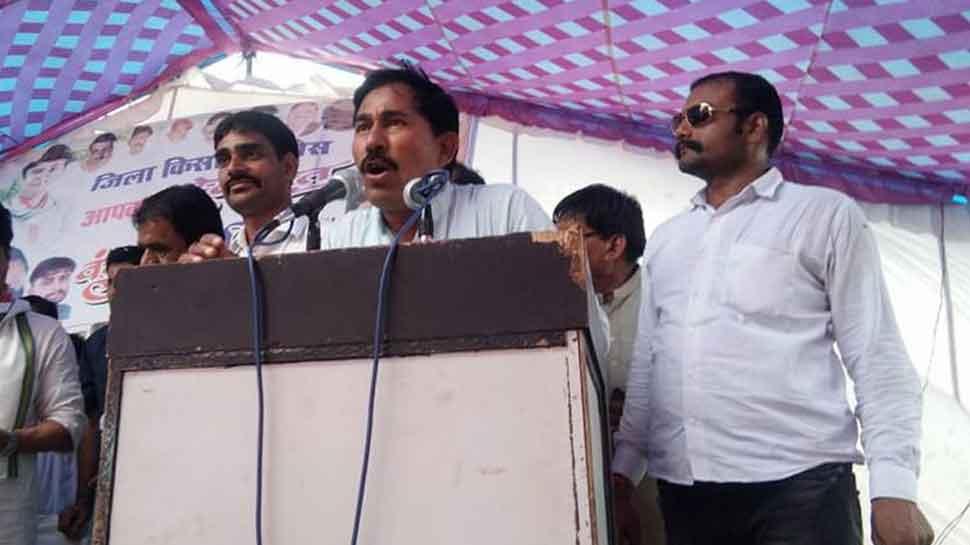 कांग्रेस विधायक का बड़ा बयान, 'सिंधिया ने नई पार्टी बनाई तो मैं सबसे पहले जाऊंगा'