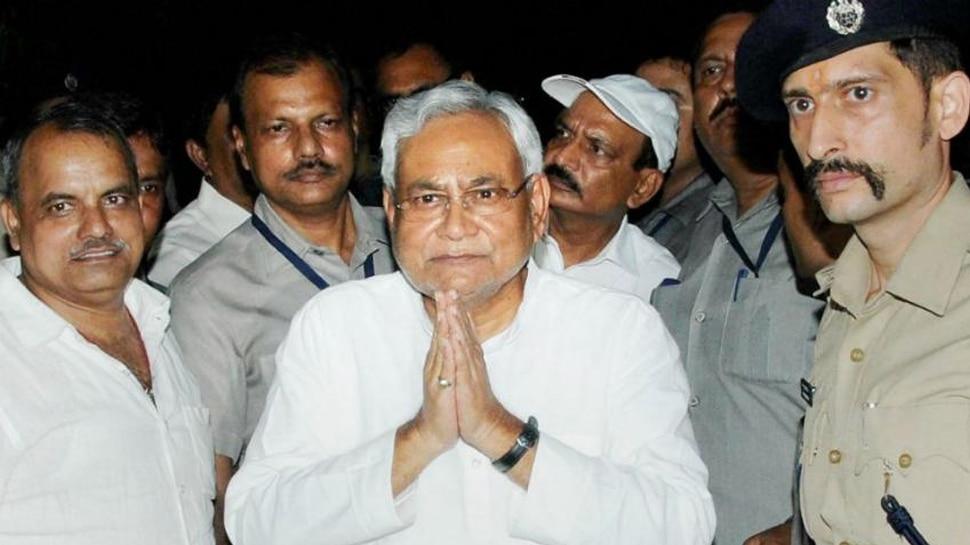 बिहार: JDU एमएलसी ने की नीतीश कुमार को नोबेल पुरस्कार देने की मांग, विपक्ष ने कसा तंज