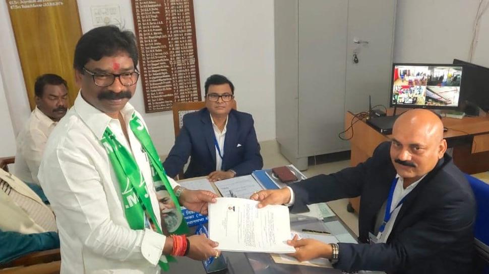 झारखंड चुनाव: JMM कार्यकारी अध्यक्ष हेमंत सोरेन ने दुमका विधानसभा सीट से किया नॉमिनेशन