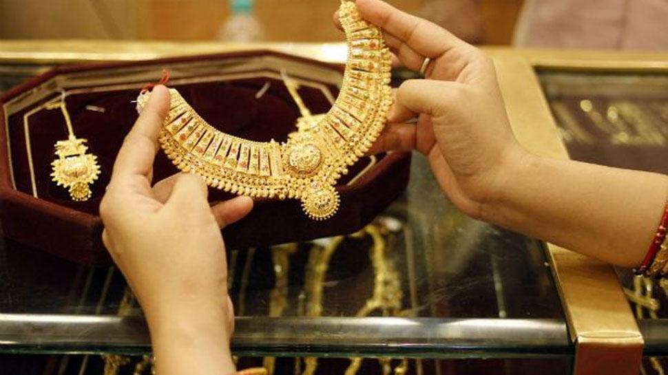 मोदी सरकार का बड़ा फैसला, अब बिना हॉलमार्क नहीं बिक सकेंगे सोने के आभूषण